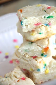 Skinny Funfetti Sugar Cookie Bites by Skinny Girl Standard, a low calorie food blog.