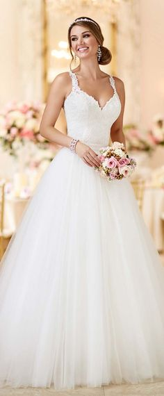Alluring Tulle V-neck Neckline 2 in 1 Wedding Dresses with Lace Appliques