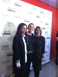 With two gorgeous ladies I admire, Julie Taymor and Gloria Steinem on the red carpet at the Athena Film Festival!