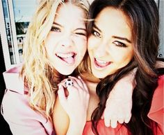 lovelovelovelove this series. !! ❤ (Hanna&Emily)