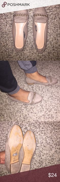 H&M Flats w/ Gold Accent Worn a few times to work. They have a couple signs of wear but not really noticeable. Comfortable. Can be dressed up or down. Tan / grayish color. Neutral shoe. H&M Shoes Flats & Loafers