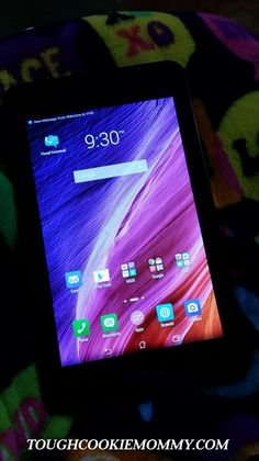 Combine Everything You Love About Your Smartphone And Tablet! @ASUSUSA #Giveaway #Ad
