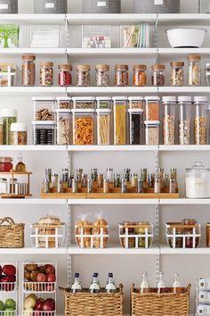 Kitchen Pantry Design, Kitchen Organization Pantry, Diy Kitchen Storage, Interior Design Kitchen, New Kitchen, Organization Ideas, Organized Pantry, Kitchen Ideas, Pantry Ideas