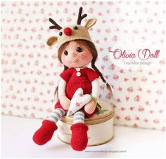 Crochet Christmas doll wearing a reindeer hat. (Inspiration).