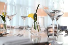 Hospitality: Floral Design - Urban Blossom - yellow calla lily and grass loop
