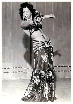 Samia. And that skirt!