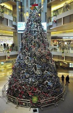 Now THAT is a rad Christmas tree! #bicycles #bike #christmas