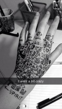Art is meant to be everywhere Hand Tattoos, Sharpie Tattoos, Cute Tattoos, Body Art Tattoos, Small Tattoos, Tatoos, Hand Kunst, Tatuagem Diy, Henne Tattoo