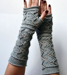love these soft crochet fingerless gloves in grey.. casual style