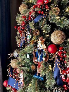 Diy christmas tree 374150681544982075 - Classic Nutcracker Christmas Tree Decor Ideas Source by Blue Christmas Decor, Gold Christmas Decorations, Christmas Tree Themes, Noel Christmas, Christmas Wreaths, Christmas Ornaments, Scandinavian Christmas, Rustic Christmas, Simple Christmas