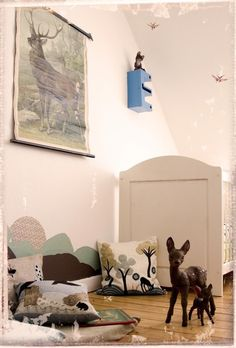 forest theme children´s room... look Kate, it's bambi!