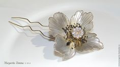 Poppy hair pin. Materials: wire, resin, crystal. 100% handmade. Based on works by René Lalique Poppy hair pin.