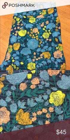 Lularoe TC leggings Brand new and never been worn! Beautiful floral pattern everyone is looking for! LuLaRoe Pants Leggings