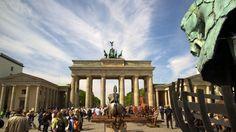 Tagesausflug nach Berlin: Sonntag 8:35h – 19:55h Was die Ordnung anbelangt, Hat… Berlin, Bucket, Vacation, Brandenburg Gate, Day Trips, Sunday, Vacations, Buckets, Holidays Music
