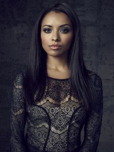 Kat Graham played one of my fav characters on Vampire Diaries. She can pull off so many looks and she is a great actress.