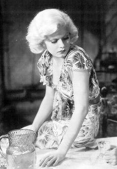 Jean Harlow in Red Dust, 1932.