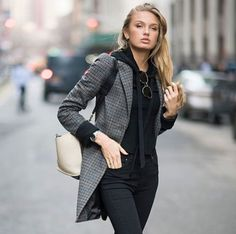 Gorgeous Blazer Outfits Ideas For Outfits Otoño, Blazer Outfits, Casual Outfits, Fashion Outfits, Womens Fashion, Look Fashion, Fashion Models, Look Blazer, Winter Stil