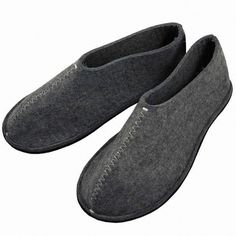 Pia Wallen's Unisex Felt Slippers are made of thick Swedish felt in black (shown) or gray Grey Slippers, Felted Slippers, Moroccan Slippers, Take Off Your Shoes, Felt Shoes, Minimalist Shoes, Leather Working, Leather Slip Ons, My Style