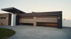 Exterior Wall Design, Garage Door Design, House Gate Design, Villa Design, Modern Garage Doors, Dream House Exterior, Garage House, Dream Home Design, Ideas