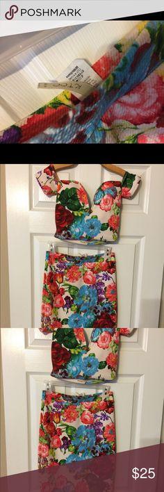 Beautiful two piece skirt set never worn! Size M Two piece skirt set 95% polyester 5% spandex  Brand new never worn Skirts Skirt Sets