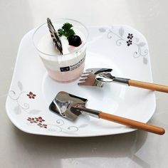 Now available on our store: Shovel Spoon and .... Check it out here! http://merkantfy.com/products/shovel-spoon-and-fork-set?utm_campaign=social_autopilot&utm_source=pin&utm_medium=pin