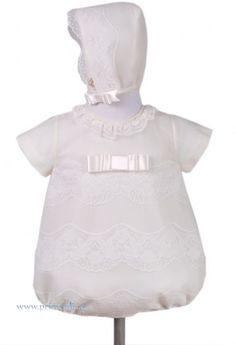 Conjunto pelele y capota para bautizo. Color beige