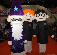 Harry Potter Puppet cosplay group. Photo by ArcaneArchery.deviantart.com
