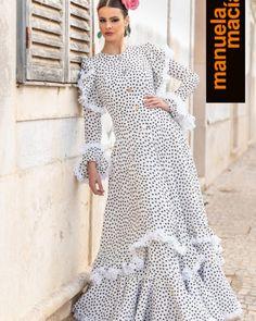 Colección 2019 Manuela Macías Moda Flamenca Spanish Dancer, Flamenco Dancers, Pin Up, Ruffle Dress, Dot Dress, Hijab Fashion, Polka Dots, Shirt Dress, Princess