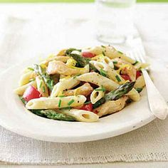 Penne with Chicken, Asparagus and Lemon Alfredo Sauce