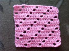 97 - licht roze schuine gaatjes
