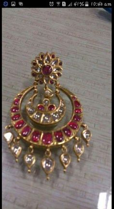 Ideas For Jewerly Gold Indian Design India Kids Gold Jewellery, Real Gold Jewelry, Gold Jewelry Simple, Gold Jewellery Design, Indian Jewelry, Tikka Jewelry, Resin Jewellery, Antique Earrings, Antique Jewelry