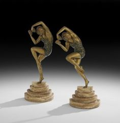 Pair of Art Deco Gilt-Bronze and Onyx Bookends : Lot 1247