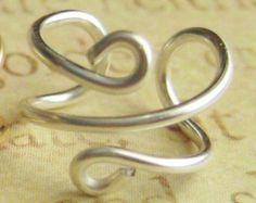 Brazalete de plata pequeño remolino trago oído por SimplicityCharms