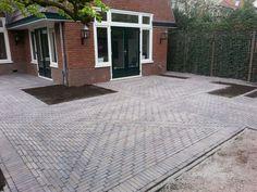 Landelijk terras romaans verband vi tnamese blauwe steen huis buitenkant pinterest - Buitenkant terras design ...