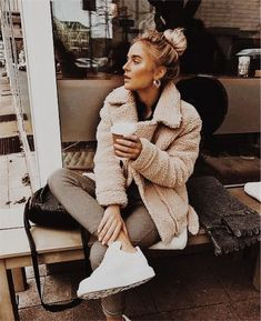 cute casual winter fashion outfits for teen girl 33 ~ my.me cute casual winter fashion outfit. Fashion Mode, Look Fashion, Winter Fashion, Fashion Trends, Womens Fashion, Street Fashion, Trendy Fashion, Fashion Lookbook, Fashion Vintage