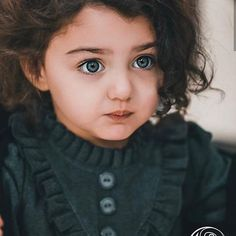 Can't stop staring at those ocean eyes💙. Cute Baby Girl Pictures, Girly Pictures, Cute Little Baby Girl, Cute Girls, Sweet Girls, Baby Girls, World's Cutest Baby, Cute Baby Girl Wallpaper, Cute Babies Photography