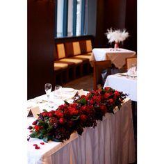 新郎新婦のメインテーブル!『高砂デコレーション』にこだわって素敵な披露宴を作りましょ♩ | marry[マリー]