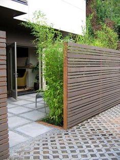 horizontal wood fencing