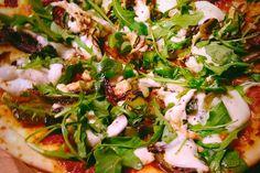 Pizza Greenmozza. Publié par Théo. Retrouvez toutes ses recettes sur youmiam.com.