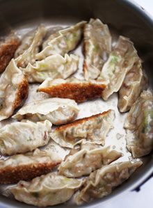 Nigel Slater: Gyoza filling (use rice wrappers for GF) Vegetarian Pasta Recipes, Chef Recipes, Paleo Recipes, Asian Recipes, Cooking Recipes, Fast Recipes, Savoury Recipes, Pork Gyoza Recipe, Recipes