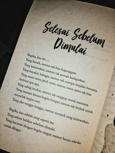 Quotes Rindu, Book Qoutes, Quotes From Novels, Text Quotes, People Quotes, Daily Quotes, Life Quotes, Cinta Quotes, Wattpad Quotes