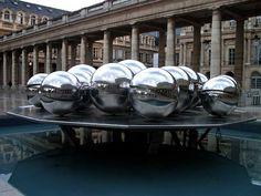 Fontaines Sphérades by Pol Bury, Cour d'Honneur of the Palais-Royal, Paris 1er