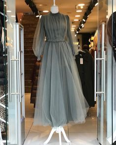 Source by dresses hijab Hijab Prom Dress, Muslimah Wedding Dress, Hijab Evening Dress, Hijab Style Dress, Muslim Dress, Dress Outfits, Evening Dresses, Night Outfits, Dress Wedding
