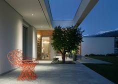 Villa Geef by #damilanostudioarchitects  #architecture #design #light #nightview #chair #archilovers #homedesign #homedecor #home #valtellina