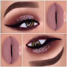 23 Glam Makeup Ideas for Christmas: #16. GORGEOUS GLITTER; #glittermakeup; #makeup
