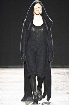 uma-wang. gothic and dark knit
