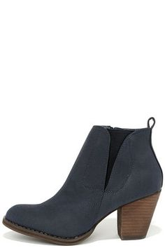 766720b5cb8 Chelsea Crew Halo Navy Blue Ankle Boots. Low Heel ...