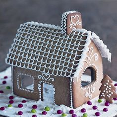 Gingerbread house - love how simple this is.
