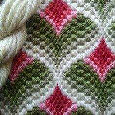 """Lovely heart things: Bargello: """"Until a few interesting schemes"""" Broderie Bargello, Bargello Needlepoint, Bargello Quilts, Needlepoint Stitches, Needlepoint Canvases, Needlework, Ribbon Embroidery, Cross Stitch Embroidery, Embroidery Patterns"""