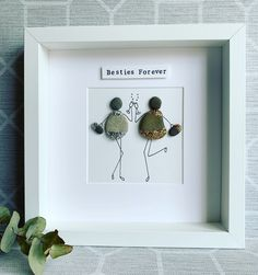 Gold and Silver Sparkle Besties Frame Sea Glass Crafts, Sea Glass Art, Pebble Painting, Stone Painting, Gin And Tonic Gifts, Crafts To Make, Fun Crafts, Pebble Art Family, Pebble Pictures